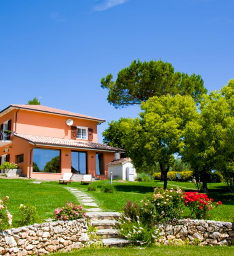 bed and breakfast a osimo con giardino
